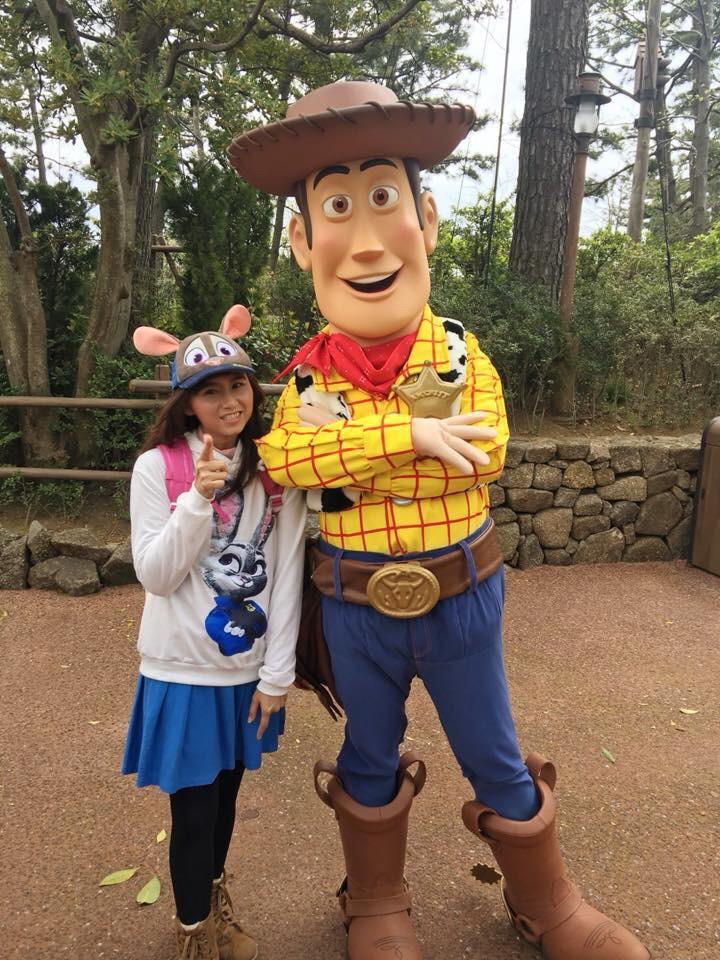 Jeabja กับ Woody ที Tokyo Disney Land
